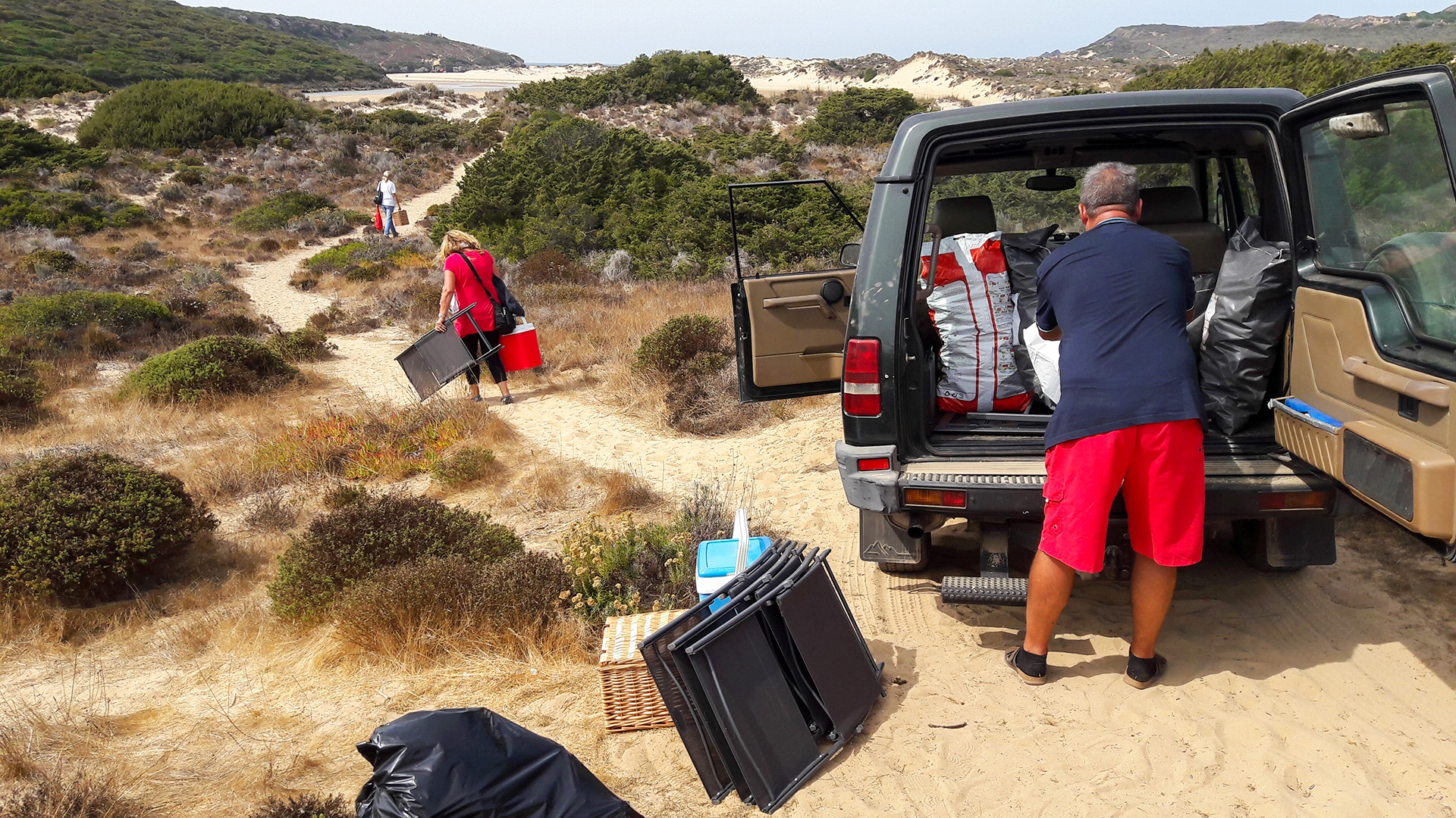 A Lovely Beach Picnic with Real Estate Buyers on the Costa Vicentina