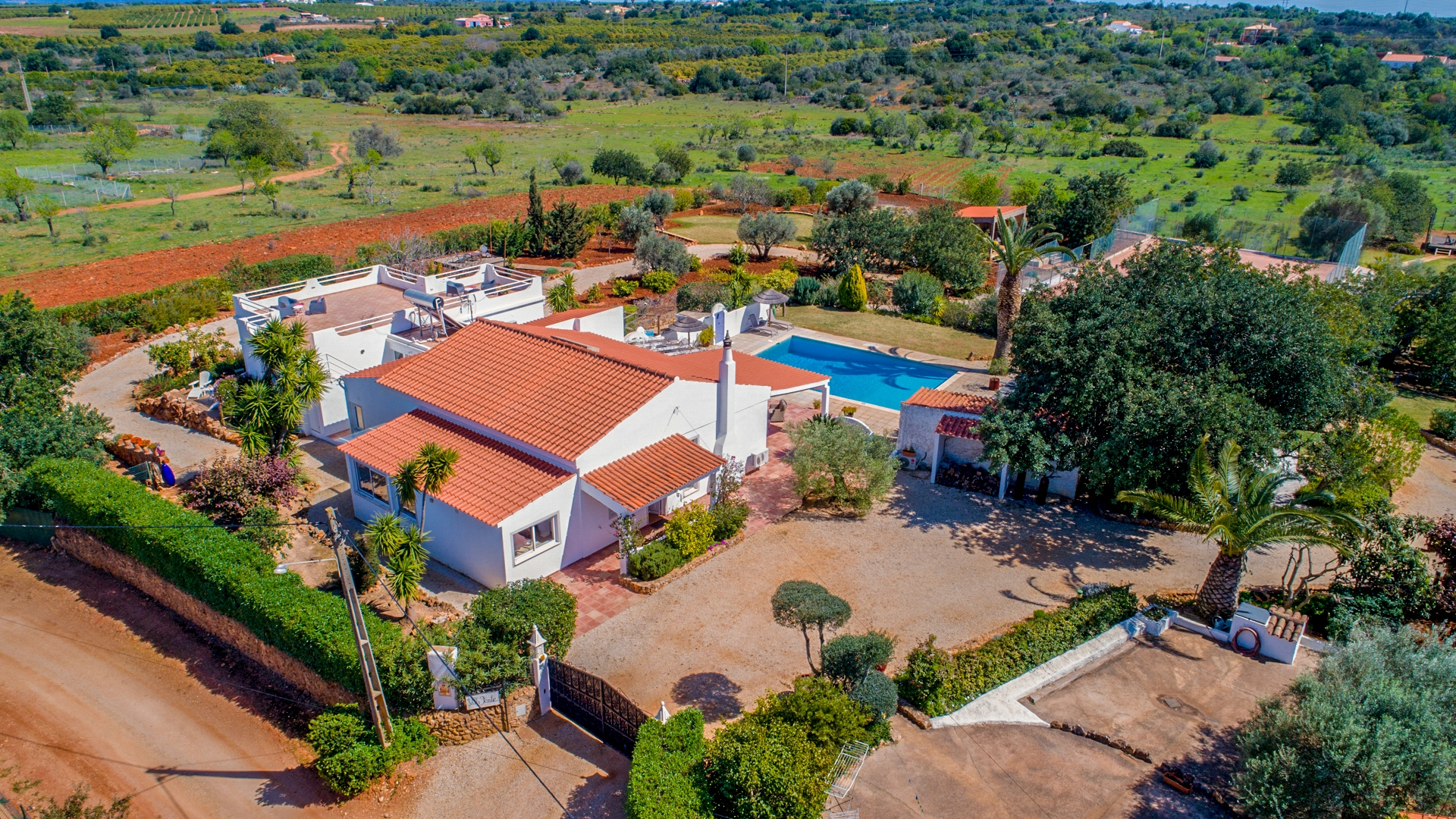 Charming country house completely renovated with 5 bedrooms, rental possibility, tennis court in Alcantarilha near Silves | VM1029