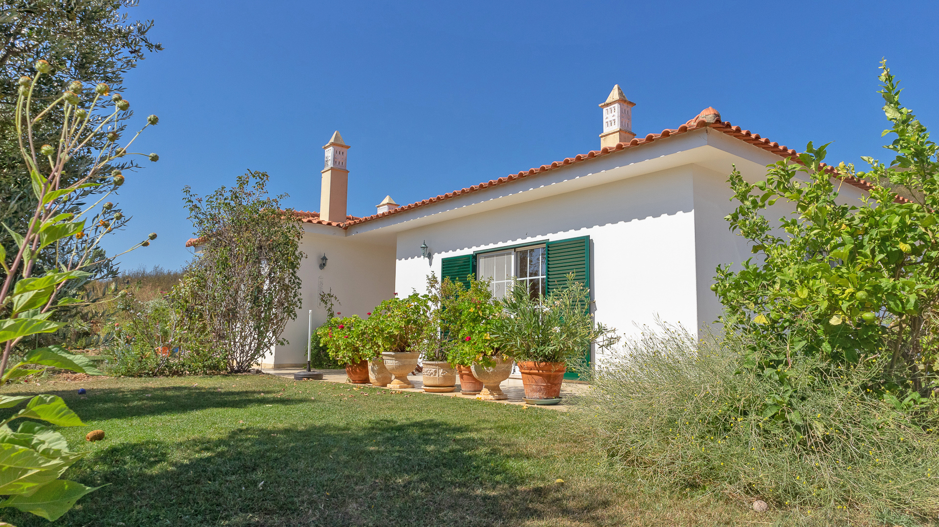 3 Bedroom country villa with self contained guest apartment, Mexilhoeira Grande, West Algarve | S1627