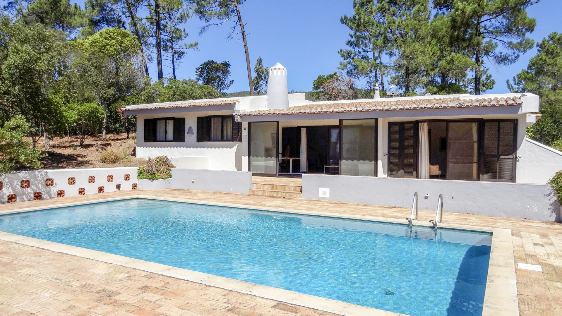Perfectly located 3 bedroom bungalow, beautiful views, Caldas de Monchique, West Algarve | S1942