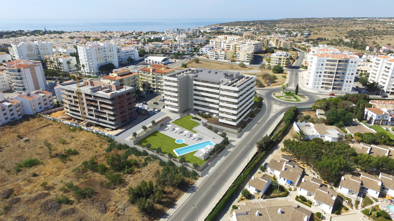 Off-plan 3 bedroom apartments with communal pool and sea views, Lagos, West Algarve | LG1190 Situated in walking distance of the historic city of Lagos and close to Porto do Mos beach this brand new development will be totally complete in 2021. 3 Bedroom Apartments and 3 Bedroom Duplex apartments with a communal pool, underground parking and sea views.