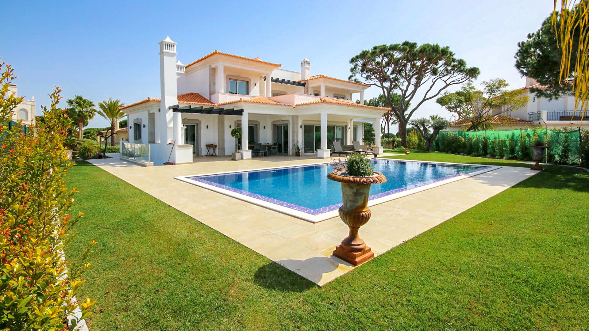 Immaculate 5 Bedroom Villa with Golf Views, Vila Sol, Vilamoura | PMR290 A 5 bedroom golf front villa finished to high standards with large basement with wine cellar and cinema room located in Vila Sol Golf Resort, close to Vilamoura