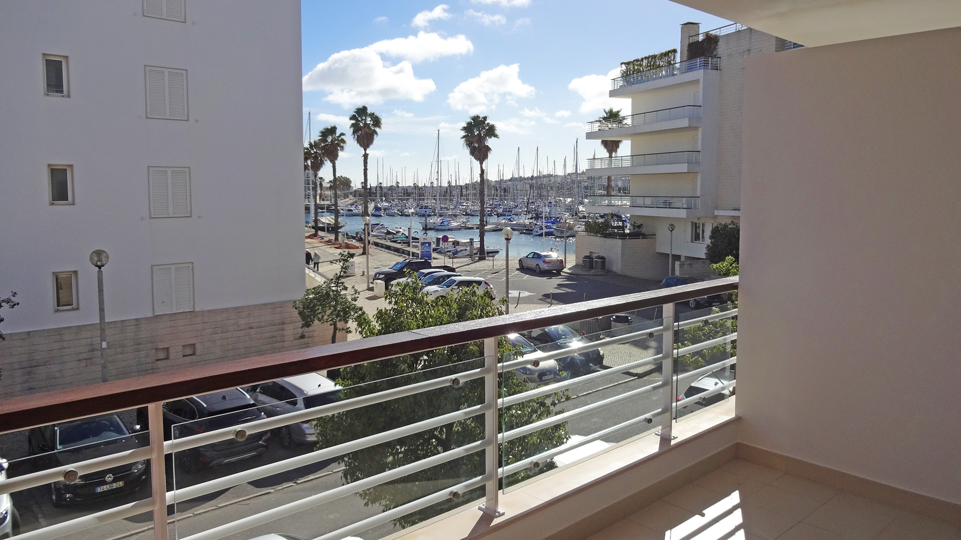 2 bedroom marina apartment with lift and underground parking, Lagos, West Algarve | LG1350 This first floor, 2-bedroom apartment is just a few minutes' walk from Meia Praia beach and the historic centre of Lagos. A variety of shops and restaurants are close by so the property is ideally situated for amenities year-round. The apartment is in superb condition and a great investment.