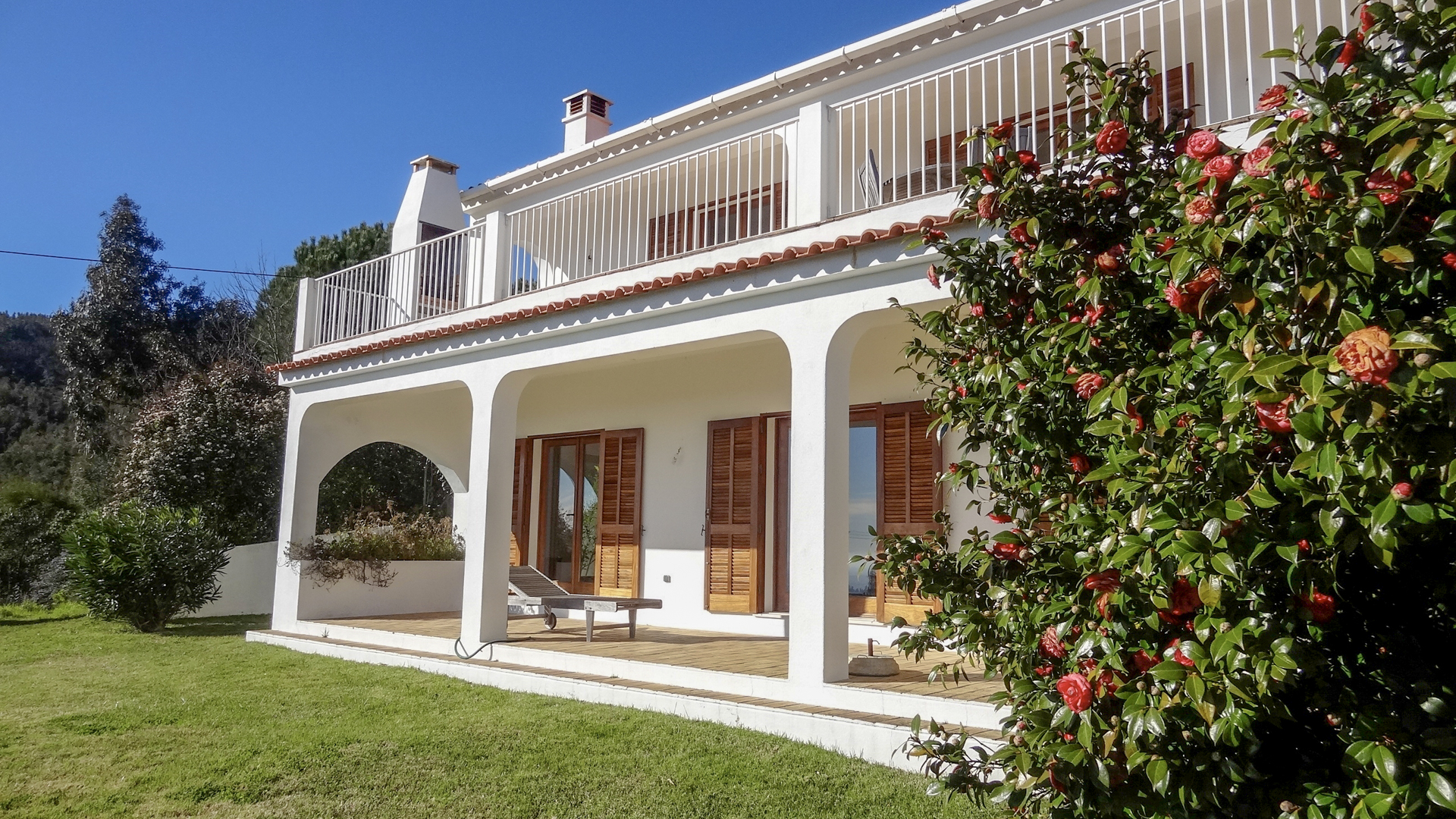Quality renovated 4 bedroom villa with stunning views to the south coast, Monchique | S1949