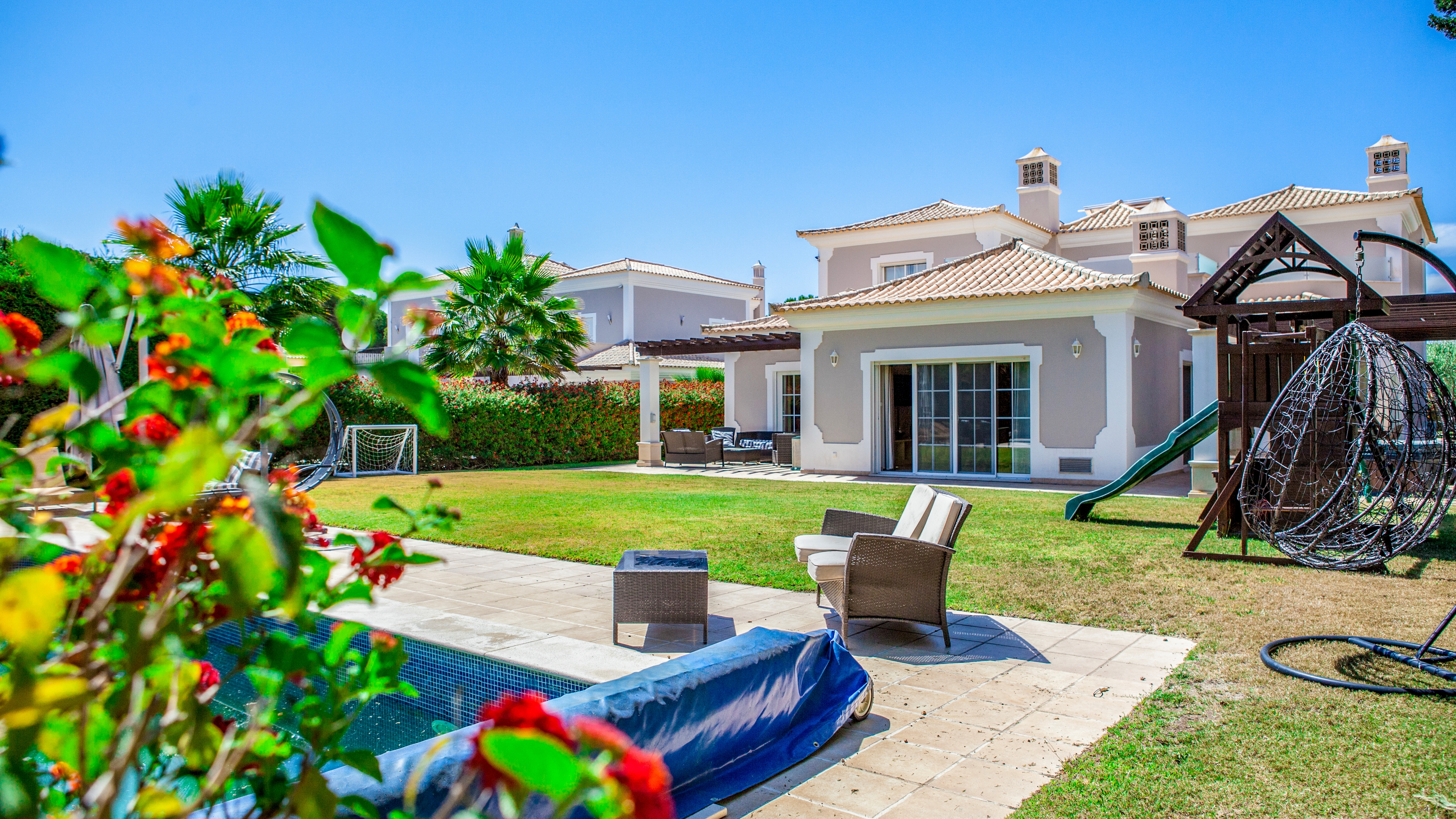 5 Bedroom Luxury Villa with Pool, near Vale do Lobo | PRB057