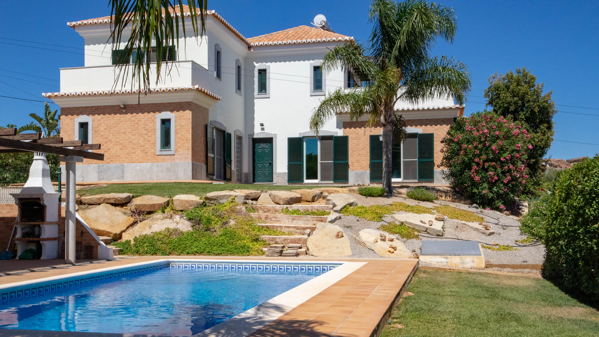 3-bedroom villa with heated pool, landscaped gardens and sea, country views in tranquil location near Tavira and the renowned Monte Rei Golf and Country Club | TV1508