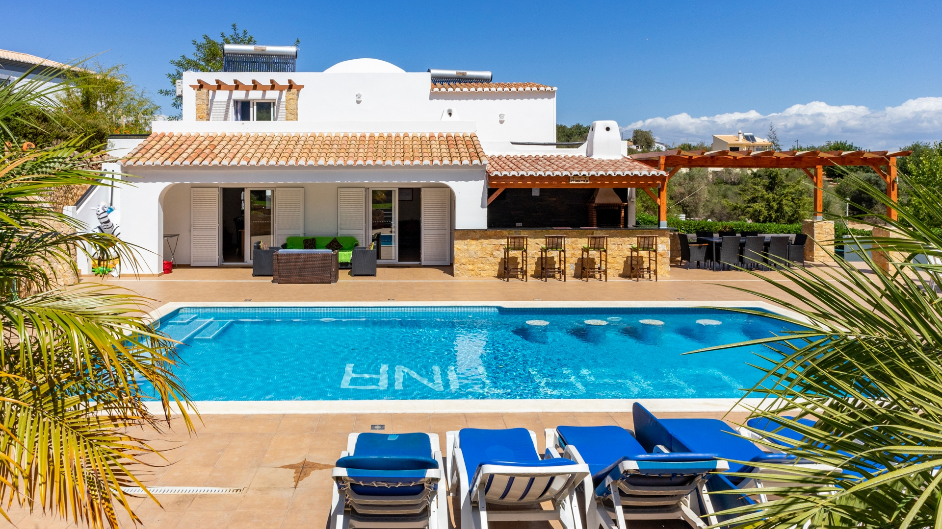 Renovated 4 Bedroom Villa with Heated Pool in Popular Resort, Albufeira | VM1537 This newly renovated villa is set in the popular resort of Clube Albufeira with beaches, restaurants, supermarkets and all amenities in walking distance. An ideal holiday rental property.