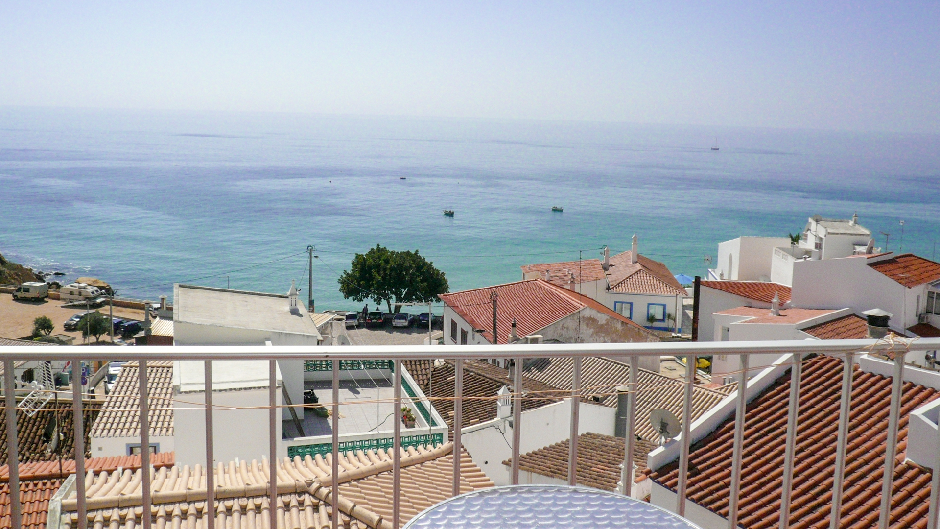 2 bedroom apartment with sea views in burgau
