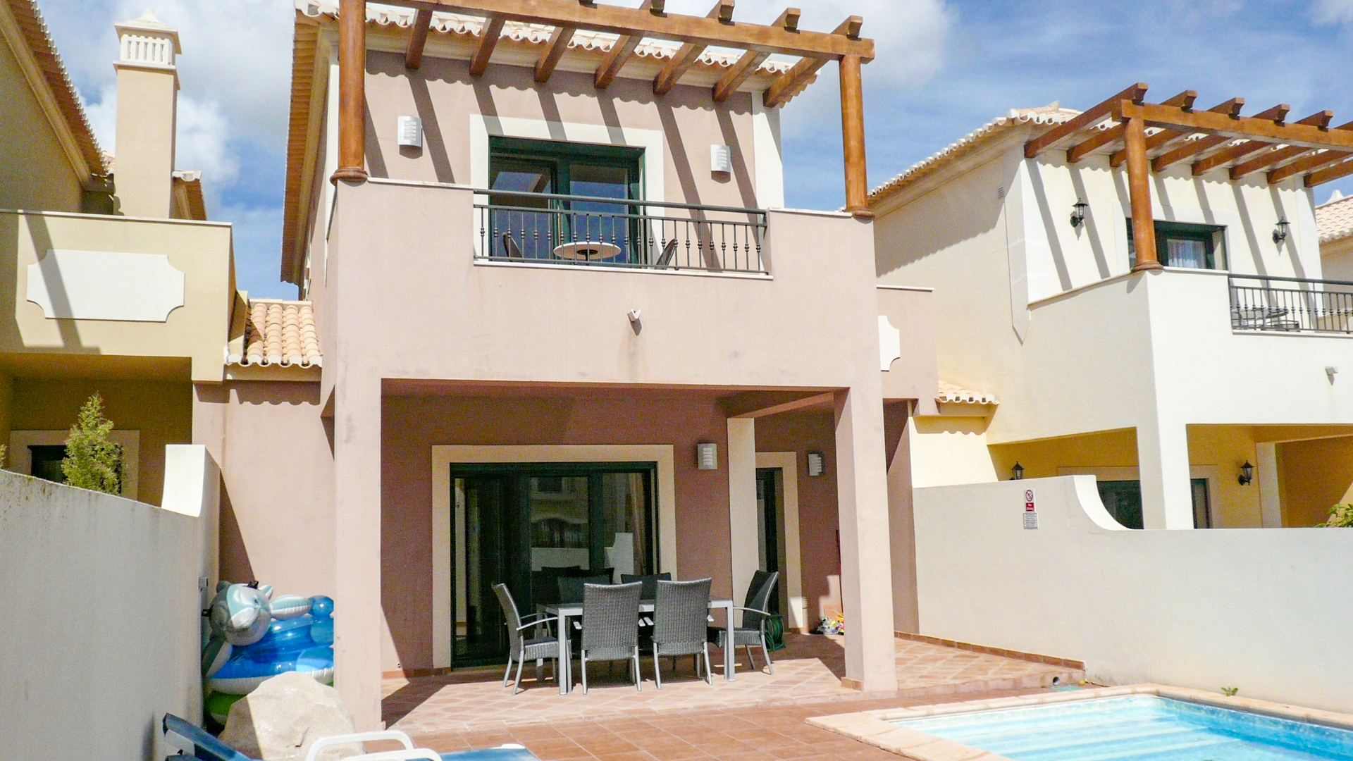 Modern 2 bedroom linked villa with private pool | S2239