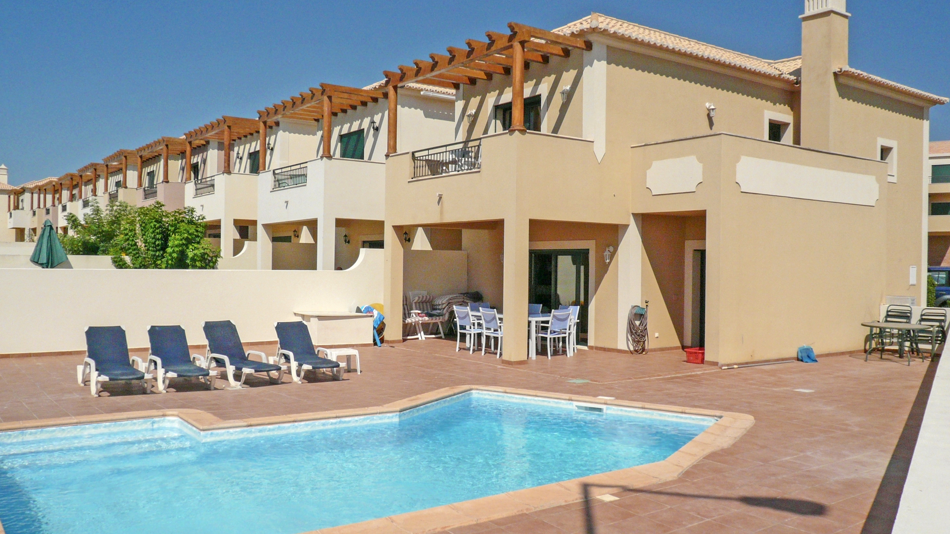 Modern 2 bedroom Linked Villa with private Pool near Burgau | S2229