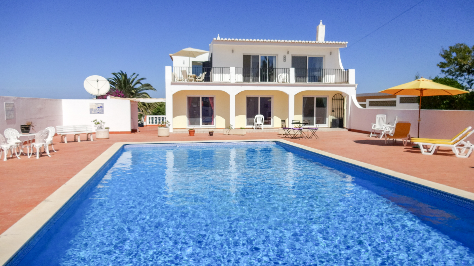 3 bed villa with magnificent sea views between burgau & luz in a tranquil 2,500m2 plot, west algarve
