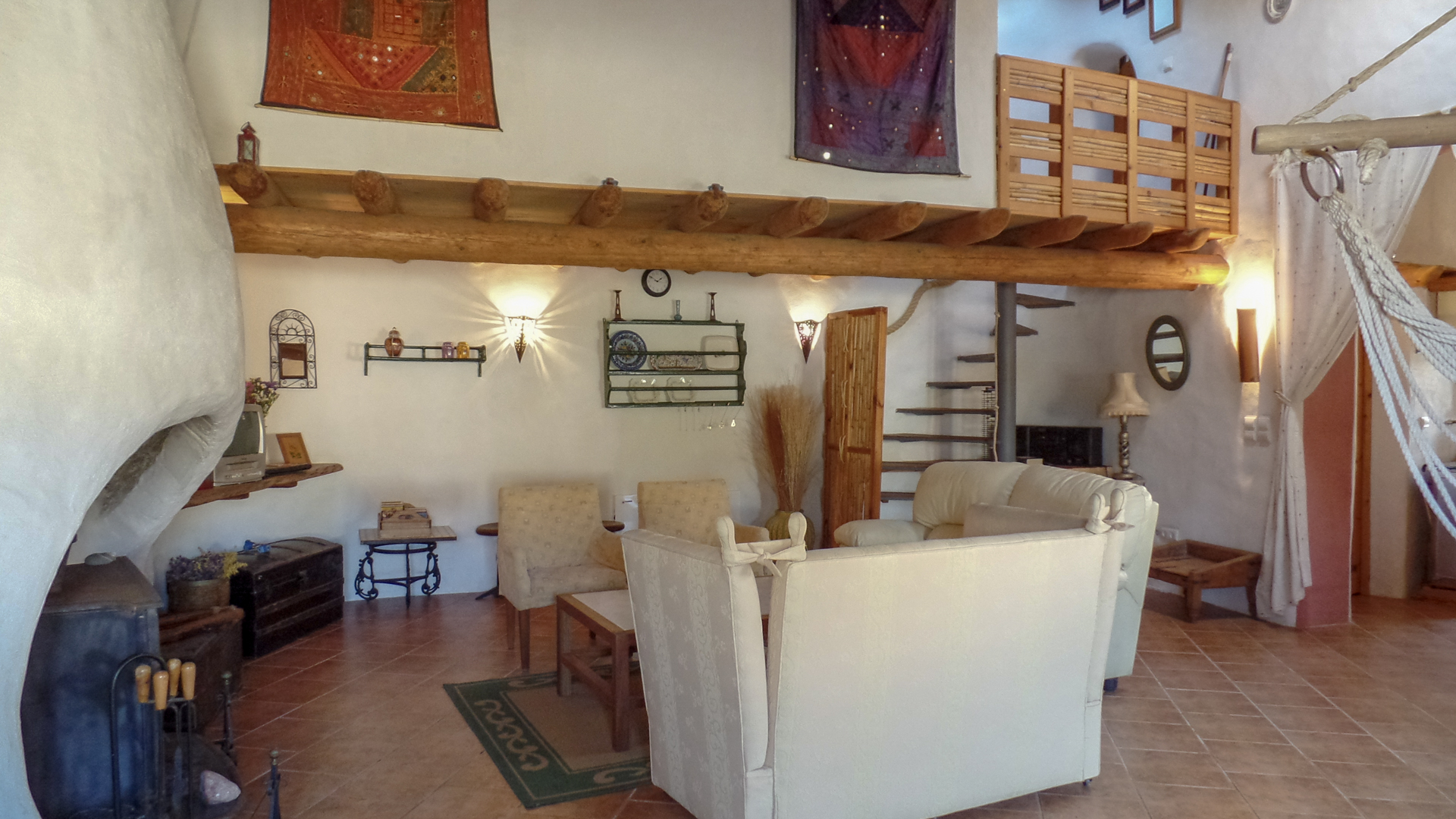 traditional portuguese house with 2 mezzanine bedrooms, located in bordeira, west coast