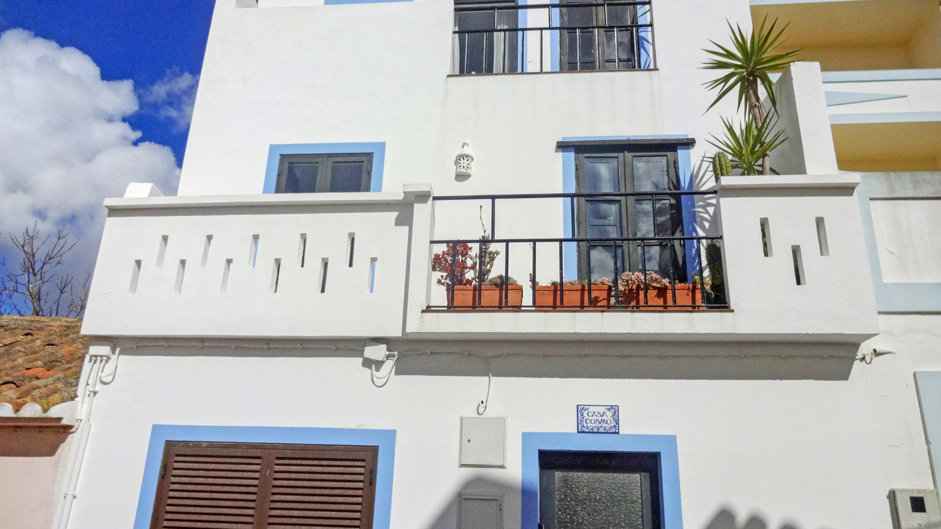 Quintessential 3 Bedroom Portuguese house, in the charming fishing village of Burgau | S2769