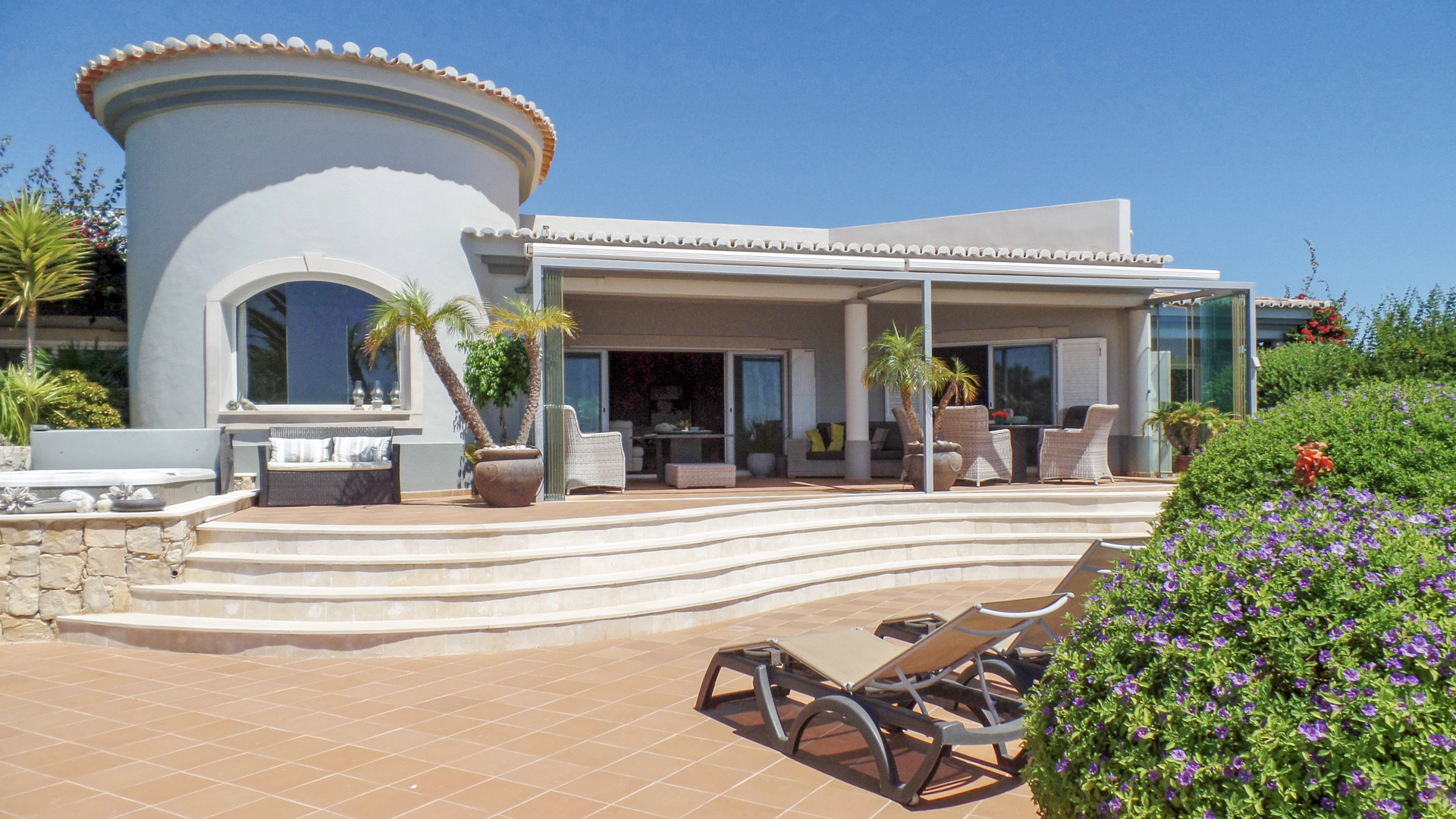 Luxury 4 bedroom villa with stunning sea views, near Ferragudo | S2494