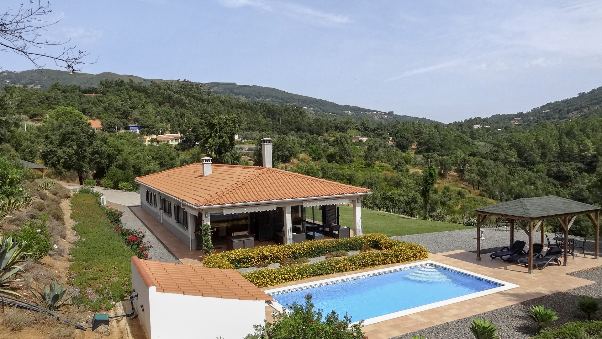 Attractive modern villa with superb views over the countryside to the mountains, Monchique, Algarve | S1958