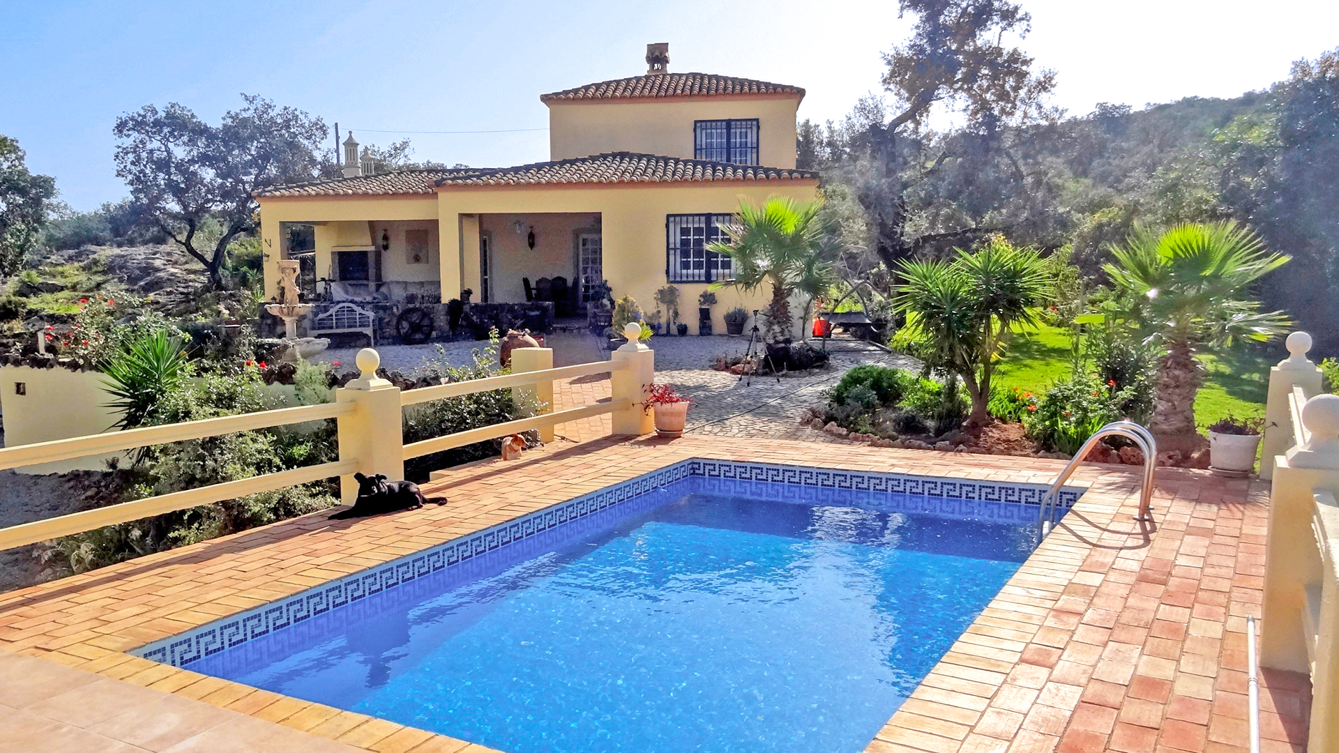 3 Bedroom Country Retreat with Pool, Stables and Paddock near Santa Bárbara | VM761 3 bedroom country house with pool near Santa Bárbara. The house has also stables and paddocks, perfect for those who love horses. There is a 1 bedroom annex for guests.