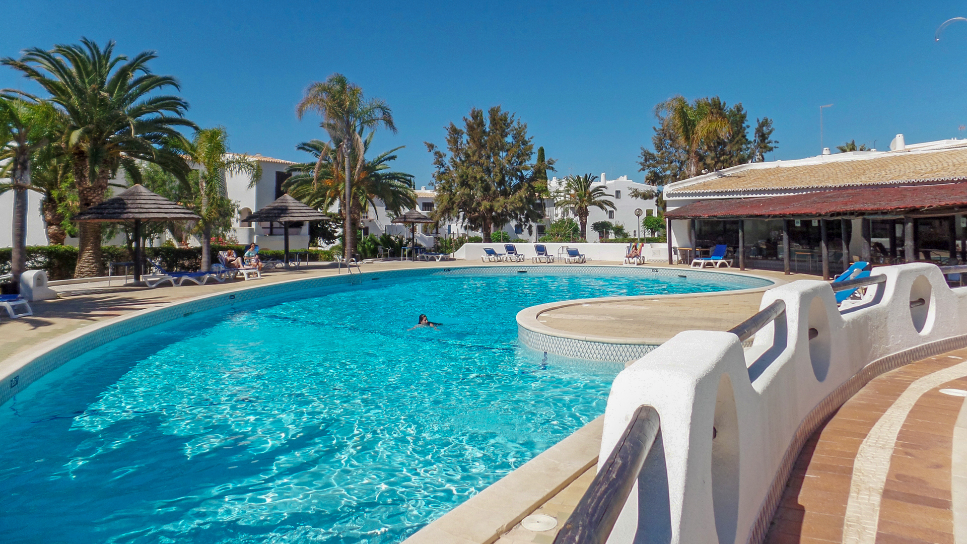 2 Bedroom Apartment with Communal pool, 900 meters from the beach of São Rafael, Albufeira | VM778