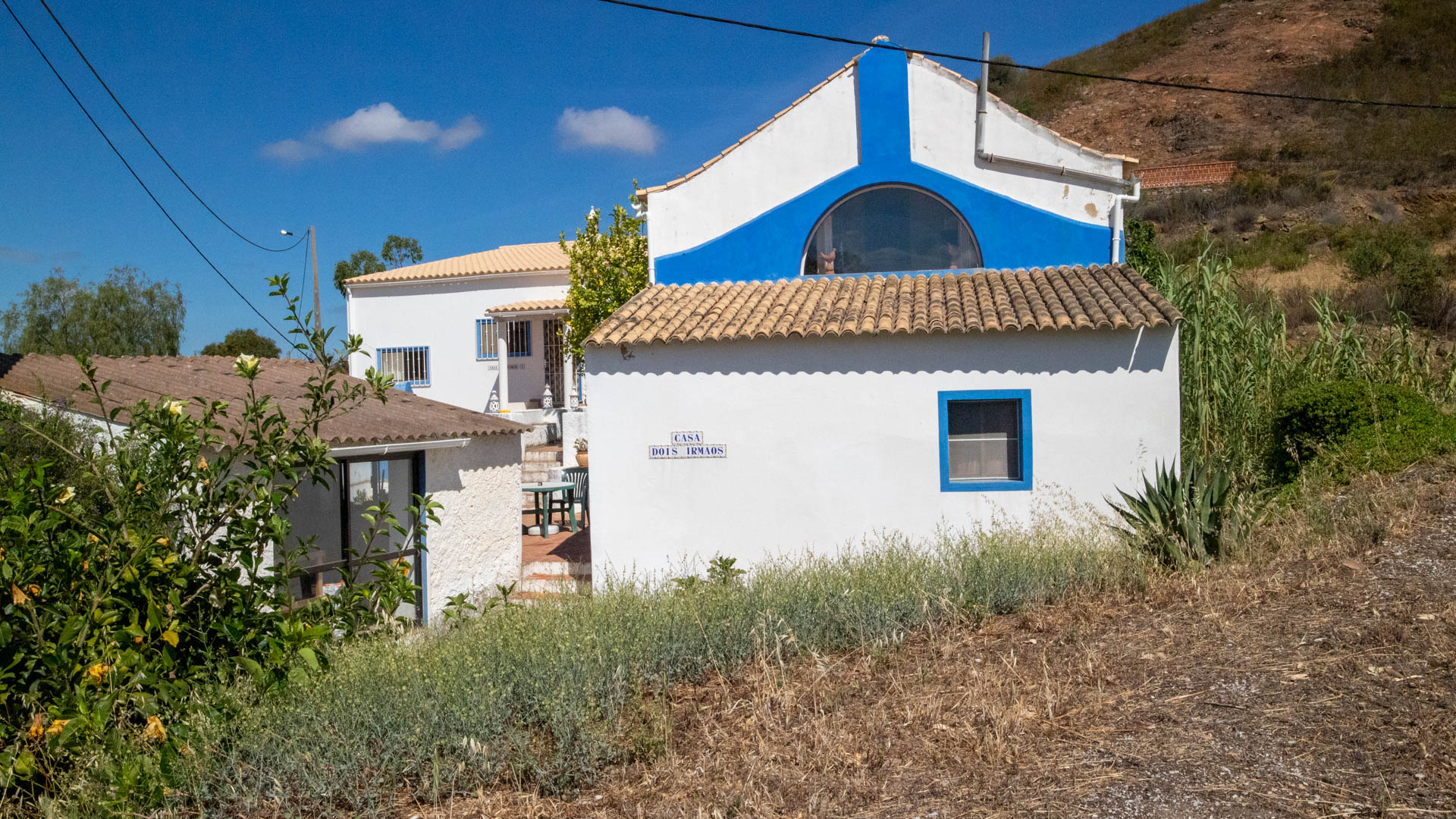 Two traditional houses - 2 Bedrooms and One Bedroom, perfect for B&B or rental opportunity, north of Tavira | TV816 Two traditional houses with rental potential, only 10 minutes from Tavira and the sea. It has a big plot and it's located in a quiet area.