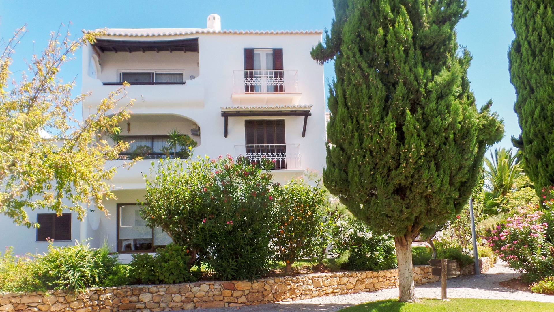 2 bedroom apartment with communal pool and sea view, São Rafael, Albufeira | VM862