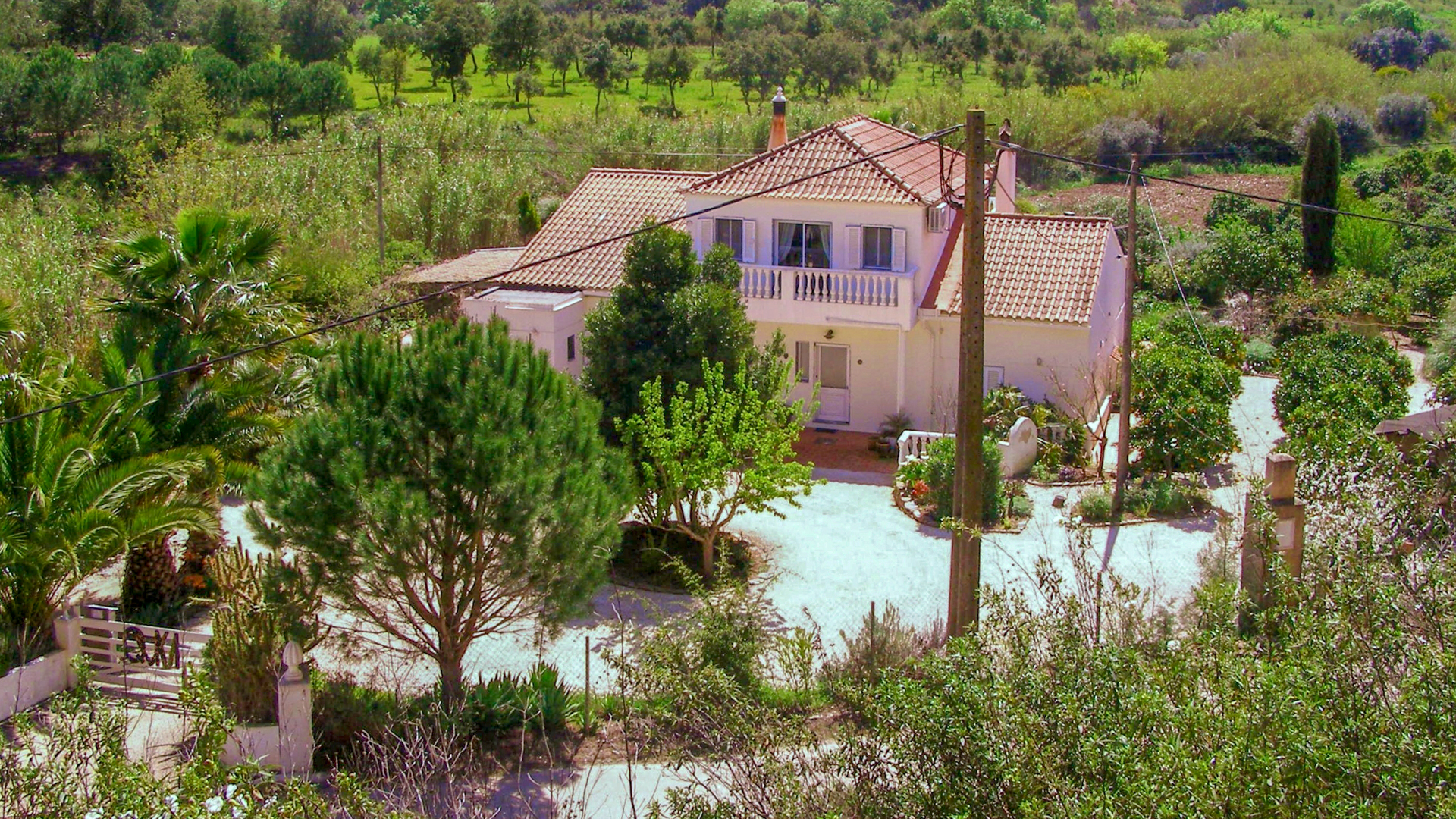 3-bedroom Villa with land, ruin, fruit trees, lake and lovely views, São Bartolomeu Messines | VM873