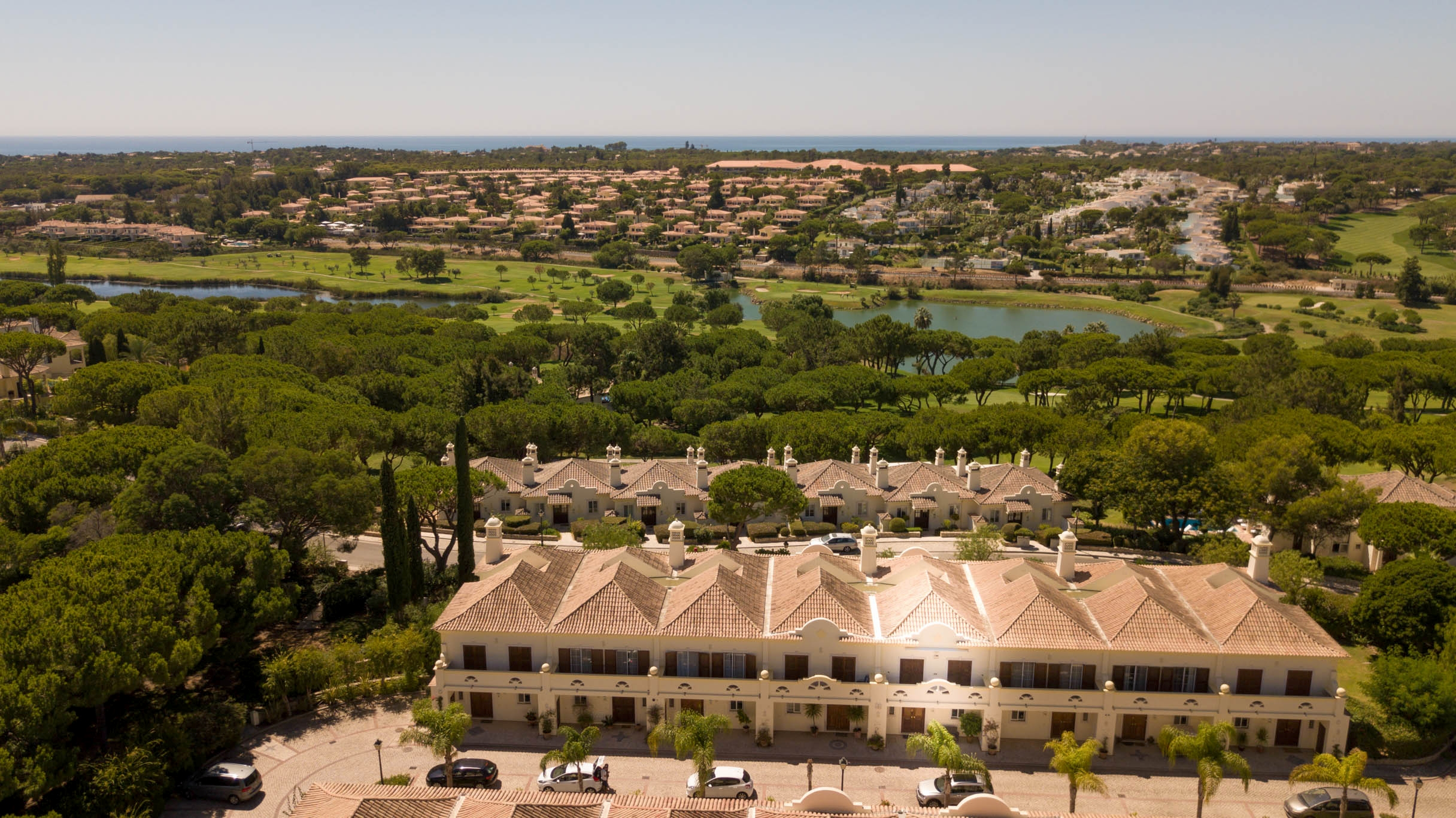 3 Bedroom Luxury Townhouse, next to Golf Courses,in Quinta do Lago | PRB207 3 bedroom townhouse in a quiet location, close to golf courses and beaches. It is south facing and perfect for permanent living or holidays.