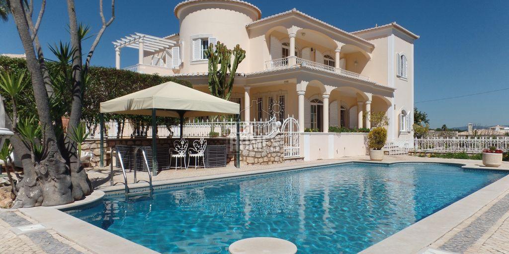 4 SZ Villa mit beheiztem Pool nah am Boavista Golfplatz, Lagos, West ...