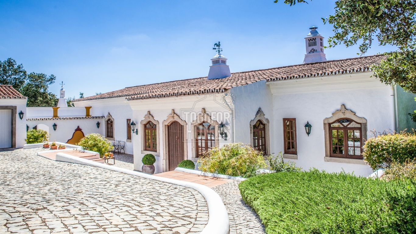 PRB050 - Charming Quinta Style Property with Pool in Goldra, near Loulé