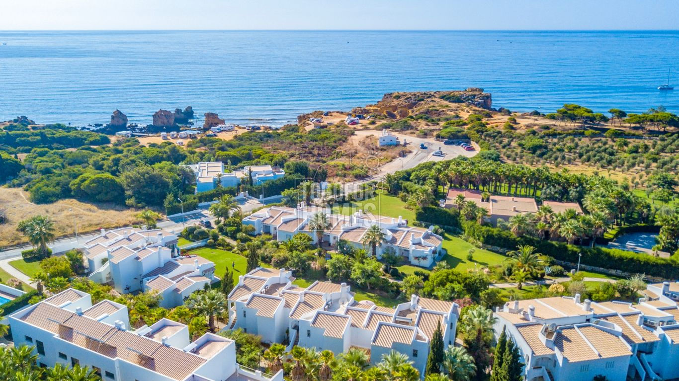 VM1191 - 2 Bedroom South Facing Top Floor Apartment with Sea Views near to Beaches, São Rafael, Albufeira