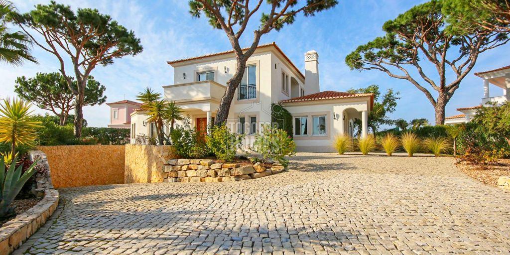 Villa 4 chambres de luxe avec piscine et vue sur le golf, Vila Sol ...