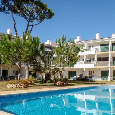 3 bedroom 2 bathroom apartment with pool and garage in Vilamoura