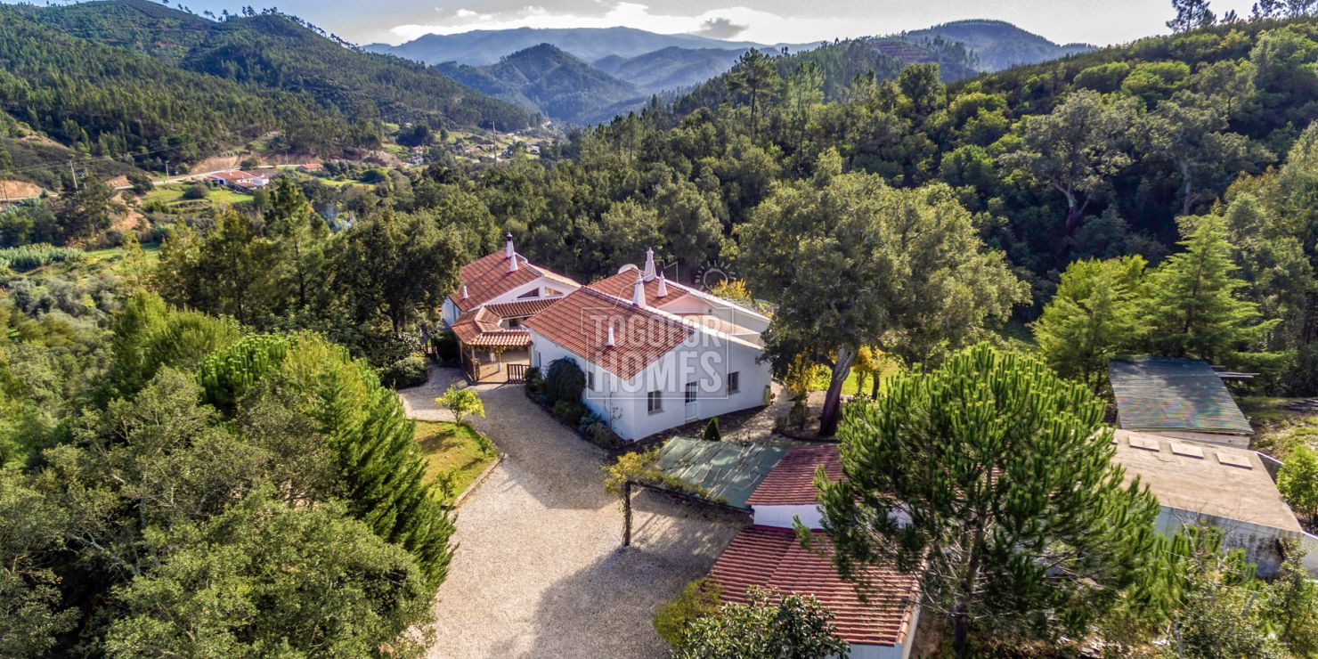 S1945 - Secluded Modern Country Estate with Fertile Land and River between Monchique and the West Coast